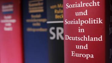 """Buchrücken """"Sozialrecht und Sozialpolitik in Deutschland und Europa"""""""